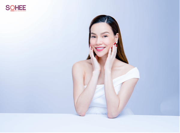 Hồ Ngọc Hà xuất hiện với nhan sắc hoàn hảo trong ngày chính thức là đại sứ cho Viện sắc đẹp SOHEE
